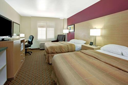Ramada Limited and Suites San Francisco Airport Photo