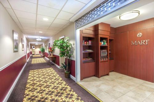 Ramada Inn Jersey City Photo