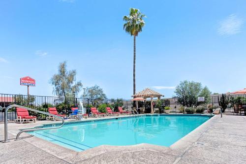 Ramada Limited Tucson West Photo