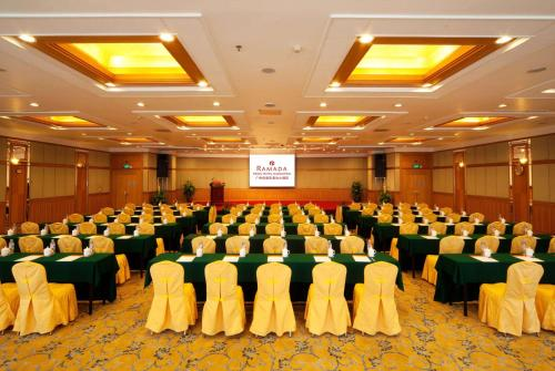 Ramada Pearl Hotel Guangzhou photo 32