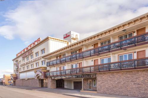 Ramada Elko Hotel and Casino Photo