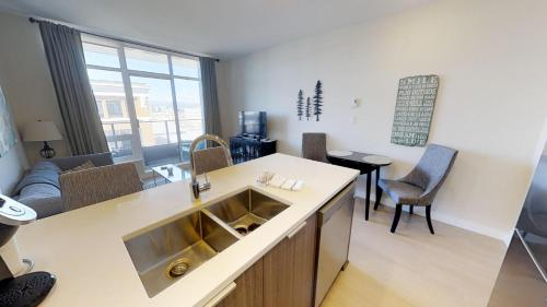 Era Suite Living On Yates - Victoria, BC V8W 3S2