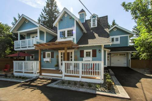 Kelowna Bed And Breakfast Ltd. - Kelowna, BC V1Y 6M3