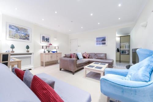 Point West South Kensington Apartment impression
