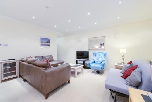 Point West South Kensington Apartment photo 5
