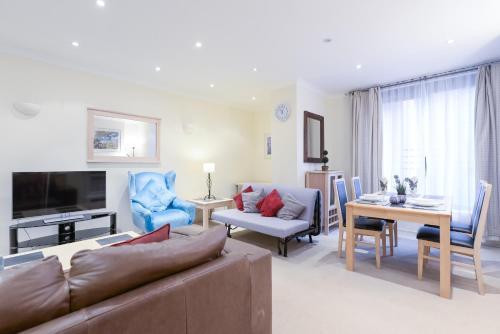 Point West South Kensington Apartment photo 12