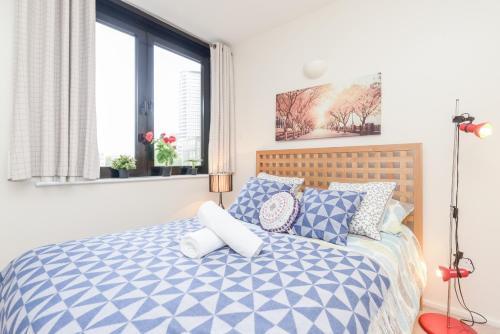 Point West South Kensington Apartment photo 14