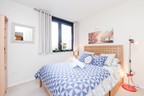 Point West South Kensington Apartment photo 15