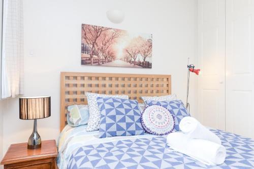 Point West South Kensington Apartment photo 25