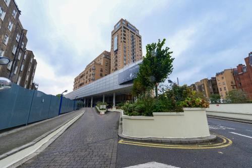 Point West South Kensington Apartment photo 26