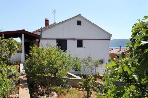 Apartment Brgulje 6243a