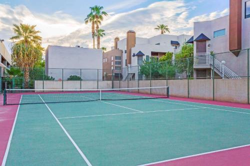 Wyndham Garden Midtown Phoenix photo 42