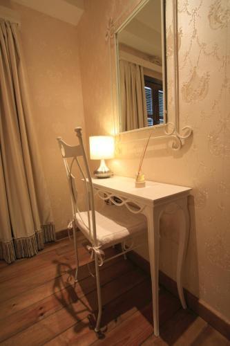 Suite Apartamento de 2 dormitorios con acceso gratuito al spa Casa Baños de la Villa 10