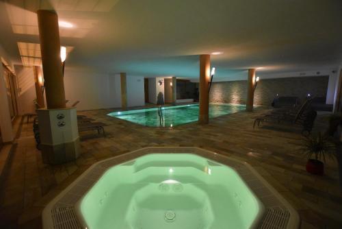 Hotel Gstatsch Photo