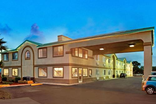 Days Inn - San Antonio Airport Photo
