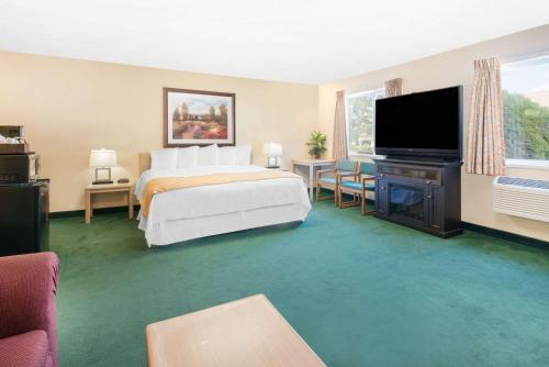 Days Inn & Suites Fargo Airport Photo