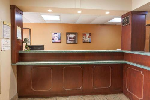 Days Inn Elkton Photo