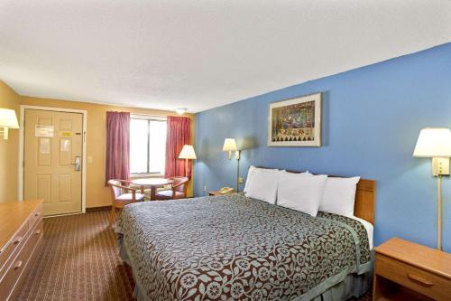 Days Inn By Wyndham Lawrenceville - Lawrenceville, GA 30045