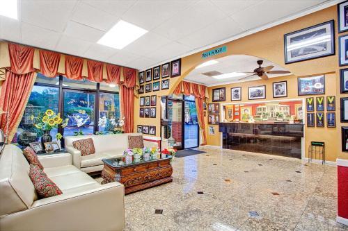 Days Inn Memphis at Graceland Photo
