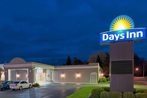 Days Inn Batavia Darien Lake Theme Park Photo