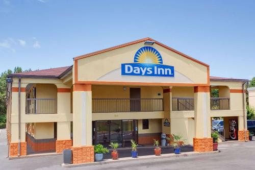 Days Inn By Wyndham Acworth - Acworth, GA 30101