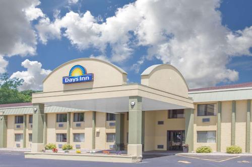 Days Inn Portage Photo