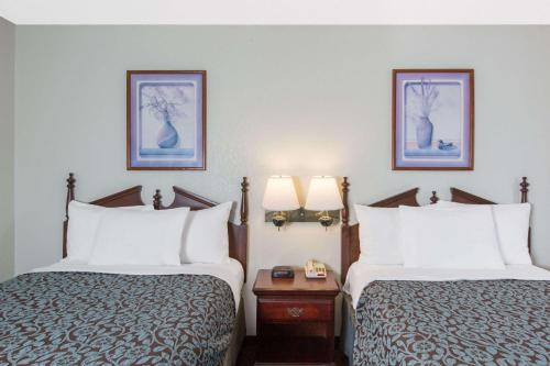 Days Inn By Wyndham West Point - West Point, MS 39773