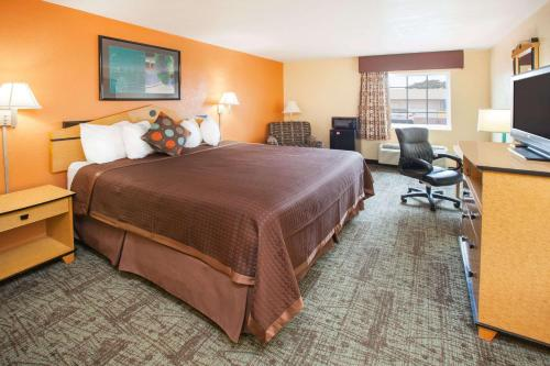 Days Inn By Wyndham Alma - Alma, AR 72921