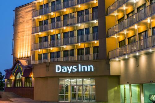 Days Inn By Wyndham Atlantic City Oceanfront Boardwalk Hotel