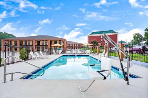 Days Inn By Wyndham Douglasville-atlanta-fairburn Road - Douglasville, GA 30134