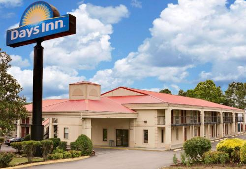 Days Inn Cleveland Photo
