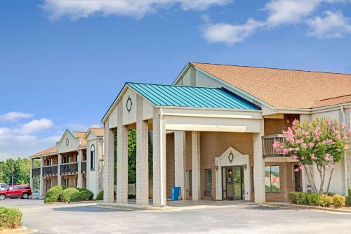 Days Inn Mooresville Photo