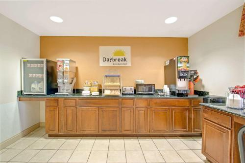 Book Cheap Hotels Near Cinemark Movies 14 Mckinney Deals
