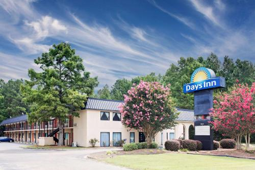 Days Inn Turbeville Photo