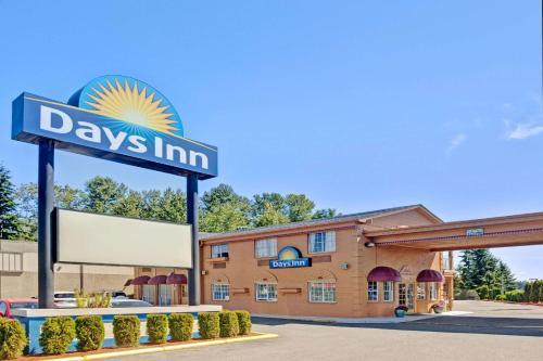 Days Inn Everett Photo