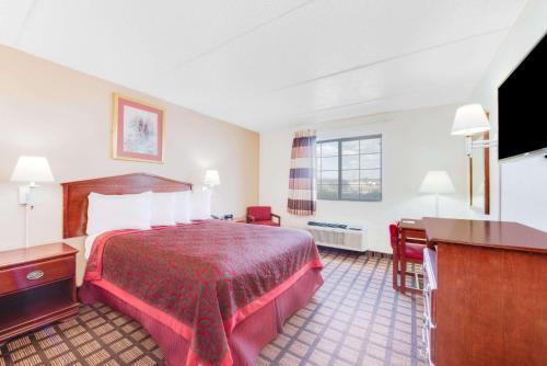 Days Inn & Suites Laredo Texas Photo
