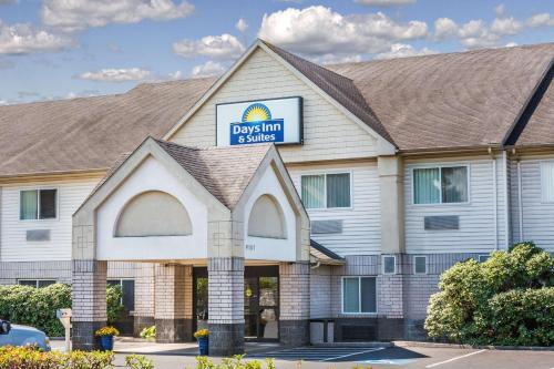 Days Inn and Suites Vancouver Photo