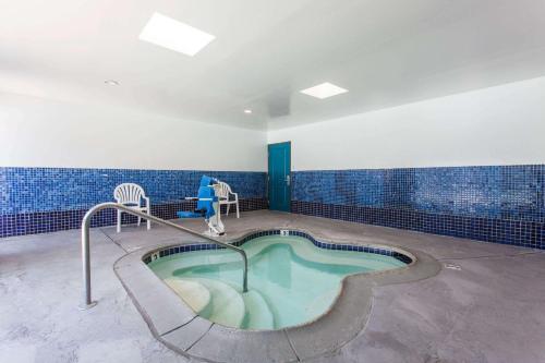 Days Inn and Suites El Cajon Photo