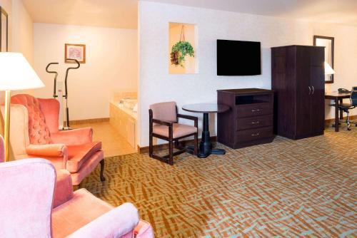 Days Inn and Suites Airway Heights/Spokane Airport Photo
