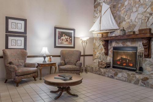 Days inn & Suites - Lexington Photo