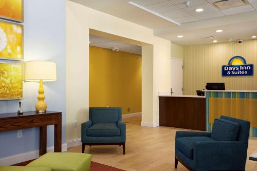 Days Inn and Suites Caldwell Photo