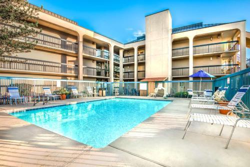 Days Inn & Suites Albuquerque North Photo