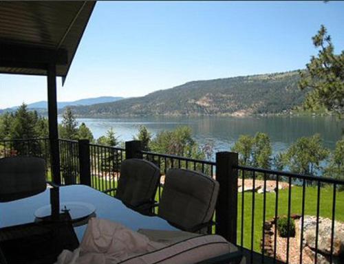 Luxury Lake Home - Lake Country, BC V4V 2C6