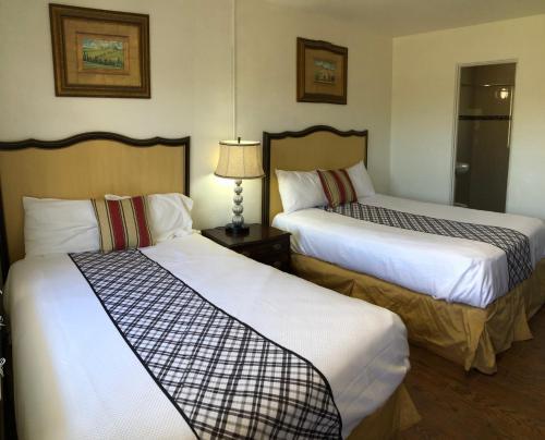 Family Inn - Sarasota, FL 34234