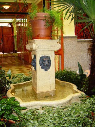 Hostal La Fontana 105