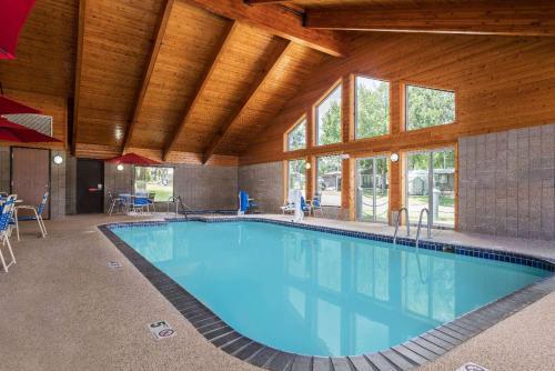 AmericInn Lodge & Suites Lake City Photo