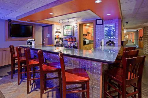 AmericInn Lodge & Suites - Virginia Photo
