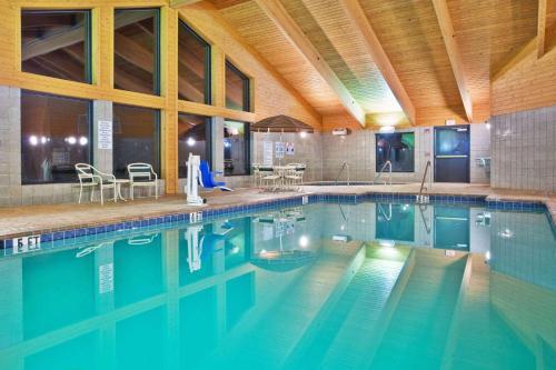 AmericInn Boiling Springs Photo