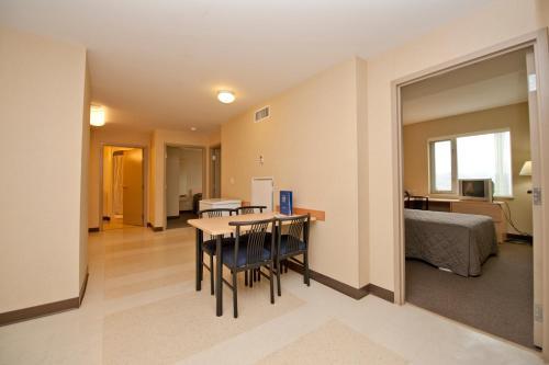Residence & Conference Centre - Kamloops - Kamloops, BC V2C 0E1