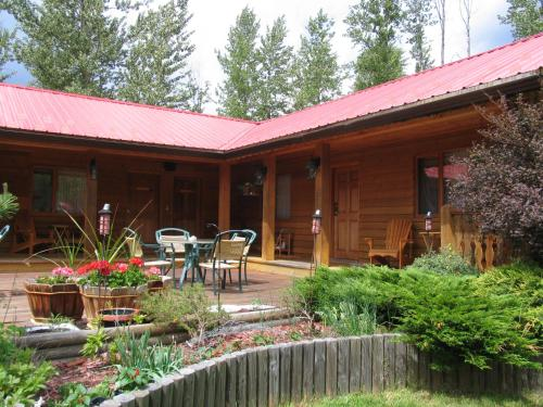Blue Grouse Country Inn B&b - Clearwater, BC V0E 1N1